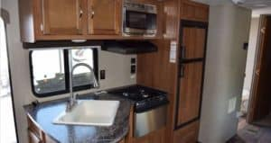 2018 Keystone Summerland 3030BH kitchen