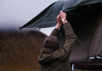 Using a tarp for camping ( 17 Must know hacks ) – Glamping or